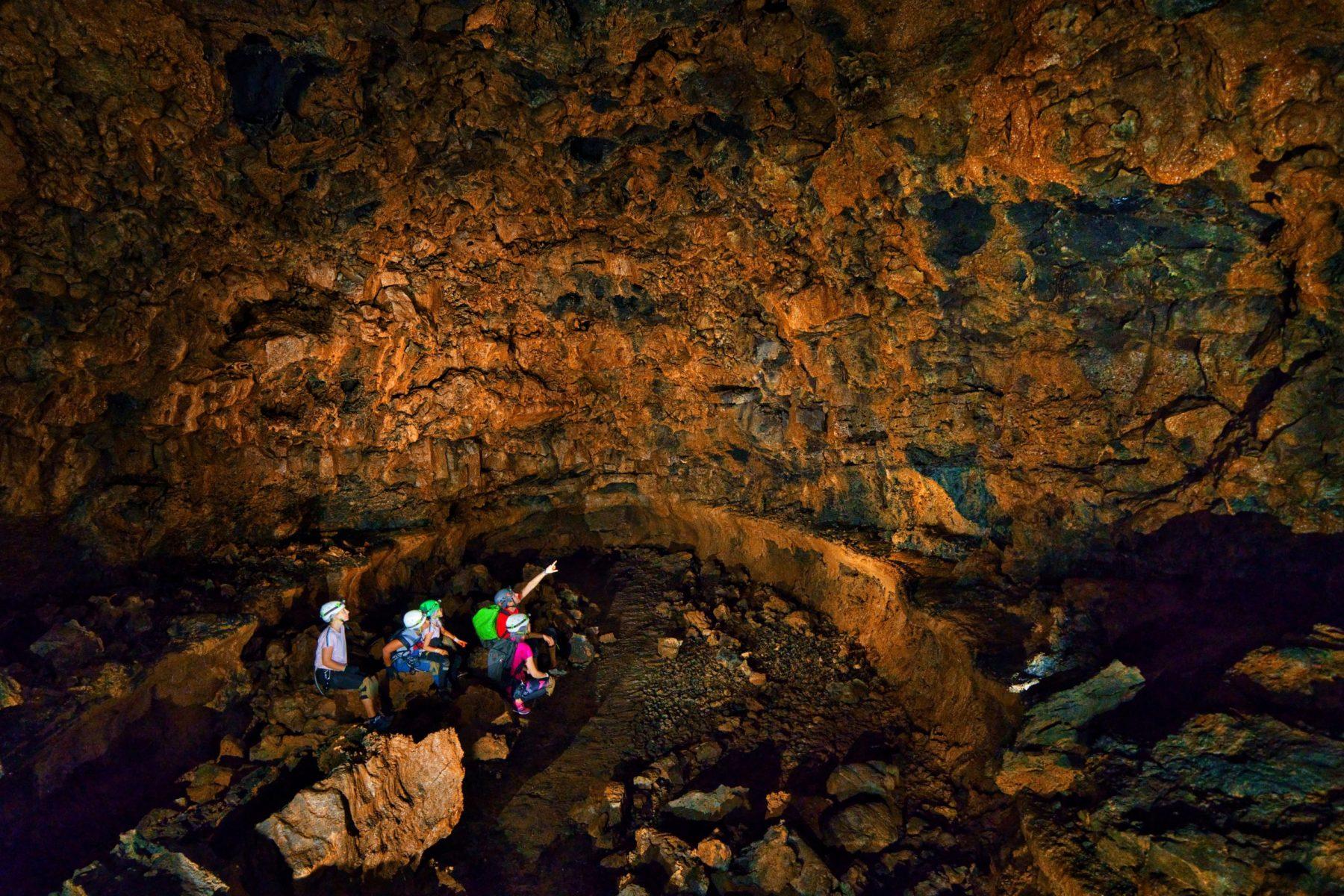 plus-grosse-salle-de-La-Réunion-Tunnel-bassin-bleu-scaled
